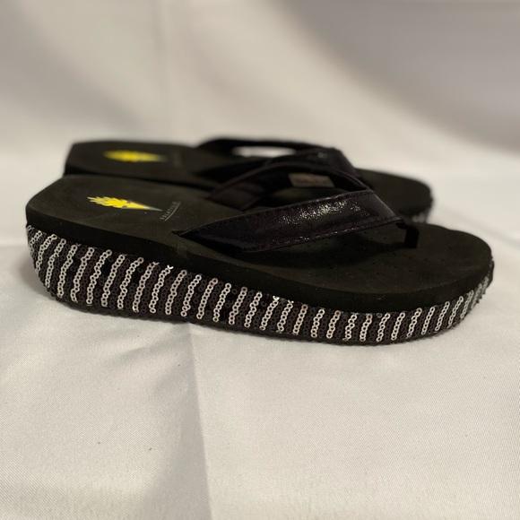 Volatile wedge platform sandals size 7